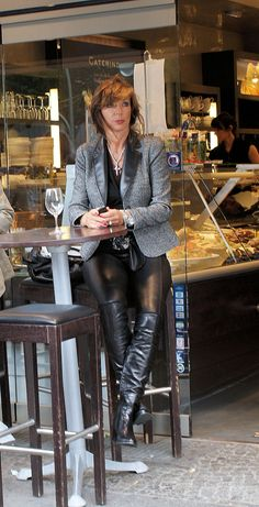 Lovely mature lady waiting for her male slave to lick her sexy boots and maybe use him as a footrest. Leather Pants Outfit, Leather Trousers, Joggers Outfit, Leather Dresses, Leather Fashion, Fashion Boots, Lederhosen Outfit, Sexy Stiefel, High Leather Boots