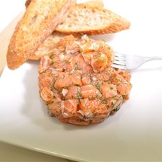 Recettes santé | Nutrisimple | Tartare de saumon traditionnel 21 Day Fix, Fish Recipes, Food Inspiration, Clean Eating, Food And Drink, Nutrition, Desserts, Gluten, Foods