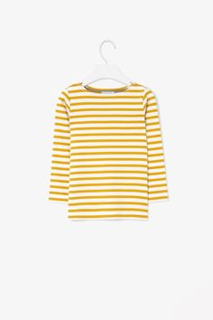 STRIPED BOAT-NECK T-SHIRT €15