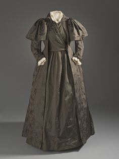 Tea Gown, Liberty & Co. (England, London, established 1875): ca. 1887, English, silk twill with supplementary weft-float patterning.