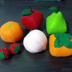Felt whole fruits patterns set - apple, pear, orange, peach, strawberry, pessimon (felt patterns and tutorials via email)
