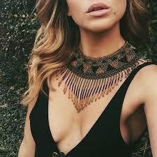 Collier tendance 2017. Bijoux fantaisie tendance. Idée cadeau femme (3)