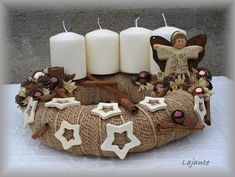 Here are 16 awesome ideas for diy Christmas decorations. Christmas Advent Wreath, Christmas Candle Decorations, Christmas Projects, Holiday Crafts, Handmade Christmas, Christmas Crafts, Christmas Inspiration, Facebook, Color