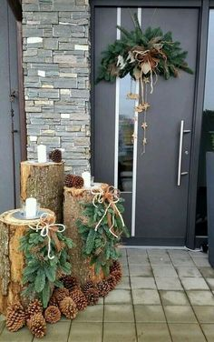 120 beautiful christmas porch decorating ideas - page 3 > Homemytri.Com Rustic Christmas, Winter Christmas, Christmas Home, Christmas Crafts, Christmas Ideas, Homemade Christmas, Christmas Inspiration, Elegant Christmas, Modern Christmas