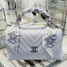 Cheap Best High Quality Replica Chanel bags and purses on sales Luxury Purses, Luxury Bags, Luxury Handbags, Chanel Handbags, Purses And Handbags, Replica Handbags, Sac The Kooples, Chanel Coco Handle, Sacs Design