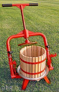 Apple cider presses, wine presses & fruit grinders: Pleasant Hill Grain means quality. Homemade Wine Recipes, Homemade Cider, Apple Cider Press, Hard Apple Cider, Wine Press, New Fruit, Wine And Beer, Wine Making, Home Brewing