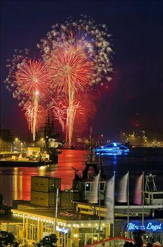 Kieler Woche Feuerwerk fireworks marking the end of Kiel Week 2013 celebrations CANT WAIT FOR THIS!!!