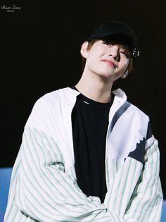 """taehyung pics⚡️ trên Twitter: """"… """""""