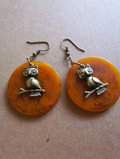 Vintage Bakelite Poker Chip Earrings with funny little owls! - click to link to Etsy!