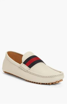 Gucci 'New Auger' Driving Shoe, these are pretty rocking ! What do you think ladies ? Fly Shoes, Slip On Shoes, Men's Shoes, Shoe Boots, Dress Shoes, Driving Shoes, Driving Loafers, Driving Moccasins, Moda Fashion