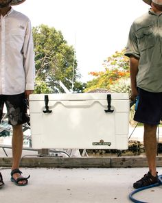 Fishing for sport or trade, our Igloo Sportsman is the ultimate marine cooler for your catch.