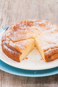 Cremiger Käsekuchen ohne Boden, unser liebster Quarkkuchen | http://www.backenmachtgluecklich.de