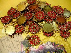 30 Abstract Floral Red Orange & Antiqued Gold Charms. Starting at $3 on Tophatter.com!