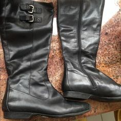 Enzo Angiolini size 8 boots leather no tears Full zip black leather dual buckle on calf rubber sole Enzo Angiolini Shoes