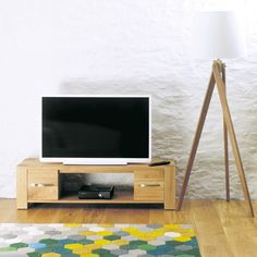 aston oak widescreen television cabinet cvr09d is constructed using solid oak with veneers