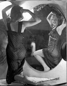 Marilyn Monroe by Earl Moran, c. 1947.