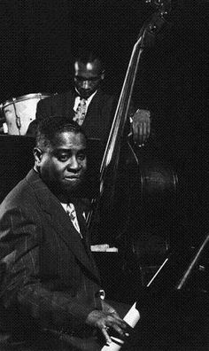 Premium Photographic Print: Esquire Jam Session: Art Tatum on Piano by Gjon Mili : Jazz Artists, Blues Artists, Jazz Musicians, Art Tatum, Gjon Mili, Jazz Cafe, Cool Jazz, Soul Music, Music Life