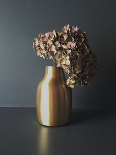 https://homeplace.co.uk/products/copy-of-marbled-rose-white-vase