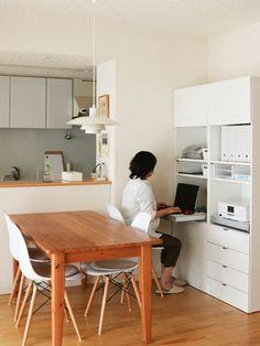 美しさと機能性を両立! IKEAの家具で作ったコックピットみたいなスモールオフィス - 片づけ収納ドットコム