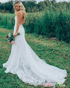 Made With Love | Danni | Shop at our Dallas, Minneapolis, Miami, Seattle + Portland | Fitted Lace Wedding Dresses | Effortlessly Sexy Wedding Dresses | Romantic Wedding Dresses | Made With Love Bridal | Danni by Made With Love