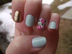 gorgeous floral nails, love the blue color!