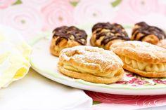 Mini-Eclairs-with-Vanilla-Pastry-Cream-2