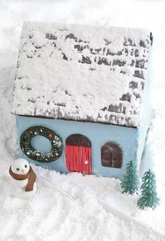 This Cape Cod inspired Gingerbread Home was created by Blogger: Sprinklebakes ~ (2 of 3) ~ P.s. the gingerbread house template is available if you follow the link with this pin