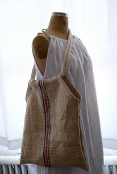 Yes, grain sack bag ♥ DIY I just purchased a few meters of burlap at the thrift