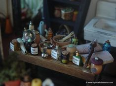 Free Printable Monster High Dollhouse | Fall & Halloween Dollhouse Miniatures Tutorials & Printables