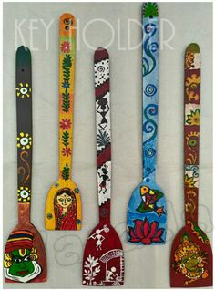 Ideas Wall Kitchen Art Diy Crafts For 2019 Wooden Spoon Crafts, Wooden Art, Wooden Spoons, Bottle Painting, Bottle Art, Painted Spoons, Spoon Art, Madhubani Art, Diy Art Projects