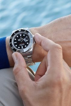 The Rolex Sea-Dweller in steel, 43 mm case, black dial, Oyster bracelet. The watch that conquered the deep. Black Rolex, Sea Dweller, Vintage Rolex, Rolex Submariner, Luxury Watches For Men, Sport Watches, Breitling, Rolex Watches, Jewelry Watches
