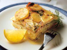 Lohilaatikko graavilohesta - Reseptit Spanakopita, Camembert Cheese, Food And Drink, Ethnic Recipes