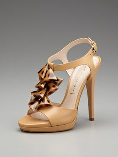 ea7f0fb207ef Love the Tortoiseshell Detail! Neutral Sandals