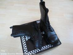 Boots and Braces 10-Loch Stiefel, Vegetarian, Streetstyle  / mehr Infos auf: www.Guntia-Militaria-Shop.de
