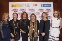 InterContinental Madrid fue el escenario de la entrega de los Premios Internacionales de Madrid Woman's Week en 2014. En la foto podemos ver de derecha a izquierda a: Carmen Mª García (MWW), Rosa Mª Calaf (TVE), Pilar Jurado (soprano), Teresa Palahi (ONCE), Belén Frau (IKEA) y Sandra Ibarra.