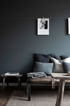 Here we showcase a a collection of perfectly minimal interior design examples for you to use as inspiration.Check out the previous post in the series: Inspiring Examples Of Minimal Interior Design Elegant Living Room, Living Room Modern, Living Room Designs, Living Room Decor, Interior Design Inspiration, Interior Design Examples, Grey Carpet Living Room, White Wall Bedroom, White Bedrooms