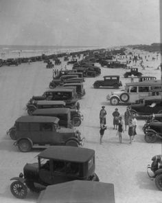 Daytona Beach, My dad was born 1925 in Ohio but eventually he made his way… Vintage Florida, Old Florida, State Of Florida, Central Florida, Florida Beaches, Florida Springs, Daytona Beach Hotels, Daytona Beach Florida, Beach Cottage Style