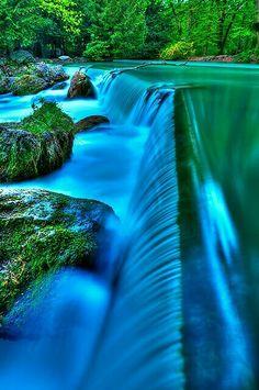 Epic Wasserfall im Englischen Garten