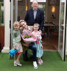 Fürstin Charlene, Royal Engagement Rings, Grace Kelly Wedding, Photos Of Prince, Monaco Royal Family, Royal Tiaras, Casa Real, Royal Princess, Royal House