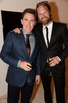 Comedian #RobBrydon in #boss with artist #IepeRubingh in #hugo #hugoboss #fashion