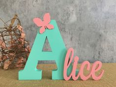 You can use felt flowers for home decoration, as a key ring and even in children's How To Make Letters, Diy Letters, Letter A Crafts, Large Letters, Wooden Letters, Letters And Numbers, Decorate Letters, Paper Flowers Craft, Felt Flowers
