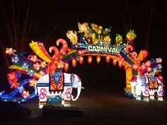 Holiday Lights in the Northern Virginia and Washington DC Area Light Fest, Chinese Lantern Festival, Easy Landscape Paintings, Entrance Sign, China Display, Winter Festival, Halloween Carnival, Holiday Market, Gate Design