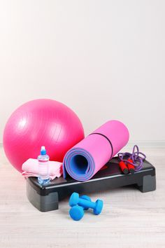 to Create a Home Gym on a Budget If you're planning to create a home gym on a budget here are the budget-friendly home gym essentials you need to have!If you're planning to create a home gym on a budget here are the budget-friendly home gym essentials you Dance Equipment, Best Home Workout Equipment, Daily Home Workout, Exercise Equipment, Fitness Equipment, Workout Gear, Gym Workouts, At Home Workouts, Workout Attire