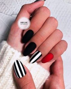 Most Beautiful Black Winter Nails Ideas Cute black and white nails with an accent red nail! Cute black and white nails with an accent red nail! Winter Nails, Summer Nails, Cute Nails, Pretty Nails, Black Nail Art, Red Black Nails, Black And White Nail Designs, Matte Red, Red Chrome Nails