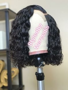 Do you like your wavy hair and do not change it for anything? But it's not always easy to put your curls in value … Need some hairstyle ideas to magnify your wavy hair? Baddie Hairstyles, My Hairstyle, Weave Hairstyles, Wig Styles, Curly Hair Styles, Natural Hair Styles, Natural Hair Weaves, Natural Wigs, Afro Wigs