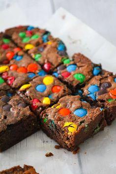 Banana Brownies, Fudgy Brownies, Decadent Chocolate, Chocolate Desserts, Best Dessert Recipes, Easy Desserts, Caramel Apple Pie Cookies, Cream Cheese Homemade, Cream Cheese Brownies