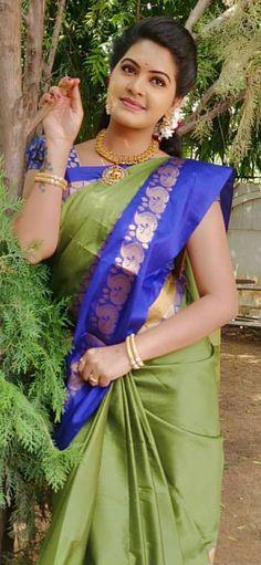 Beautiful Girl Photo, Beautiful Girl Indian, Beautiful Saree, Beautiful Indian Actress, Costumes Around The World, Saree Models, Saree Styles, India Beauty, Indian Actresses