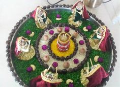 Navratri is a second biggest festival in India after Diwali. This navratri 2017 decor your chaniya choli & dandiya sticks with our DIY Decor ideas. Visit at Architectures Ideas & get more info. Arti Thali Decoration, Decoration For Ganpati, Diwali Decorations At Home, Festival Decorations, Flower Decorations, Hobbies And Crafts, Arts And Crafts, Janmashtami Decoration, Housewarming Decorations