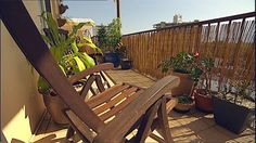 Gardening Australia – Fact Sheet: Making a Balcony Garden - Modern Organic Compost, Organic Gardening, Organic Fertilizer, Urban Gardening, Organic Farming, Australia Facts, Australia Landscape, Buy Seeds, Apartment Balconies
