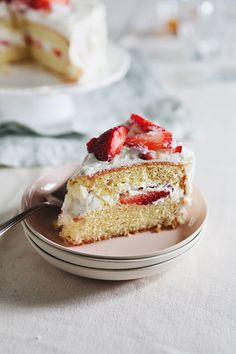 There are three distinguishing factors to Japanese strawberry shortcake that make it different from its Western counterparts: the cake, the frosting, and the toppings.